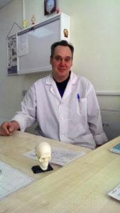 Лобов Илья Львович, кандидат медицинских наук, врач травматолог-ортопед высшей категории, стаж работы по специальности 30 лет